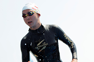 「まずは試してからね」 チームケンズが『SWORD』のウェットスーツ試泳会を開催!