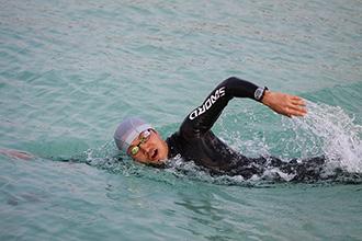 「まずは試してからね」チームケンズが『SWORD』のウェットスーツ試泳会in成増を開催!